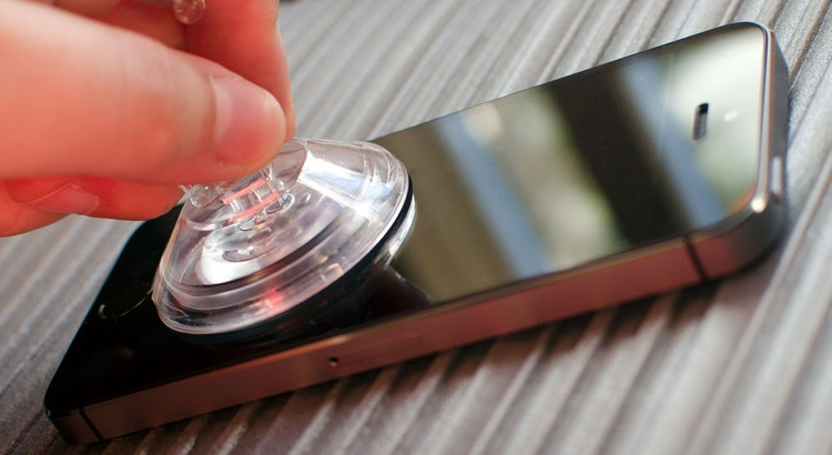 iphone_5s_suction_cup_hero_2