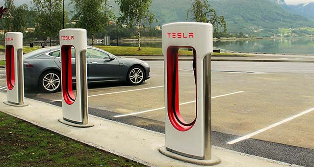 Tesla_Supercharger