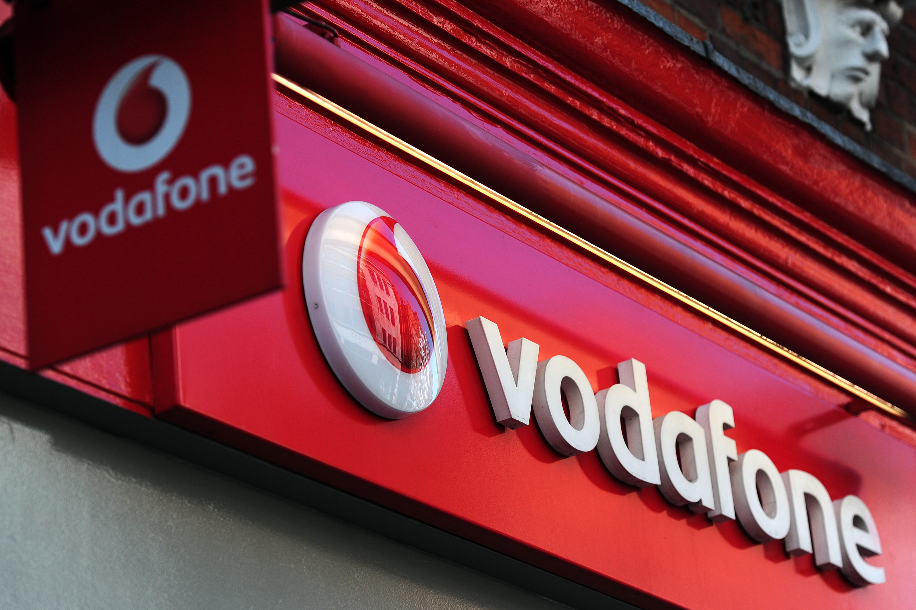 vodafone-to-acquire-tikona-digital-networks-4g-spectrum
